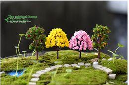 2017 Promozione Albero di Natale Artificiale 10pcs Fata Giardino Accessorie Mini Albero Pianta Junly Moss Gnome in miniatura Natale Fai da te Accessori da gnomi di natale miniatura fornitori