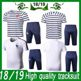 Abgeschnittene trikots online-Frankreich zwei Sterne Trikot Kurzarm-Cropped-Hose Trainingsanzug Split-Hose mit Reißverschlusstaschen auf beiden Seiten