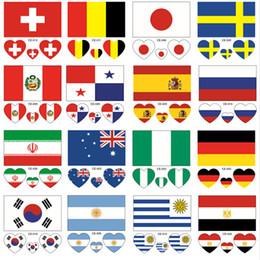 2019 adesivi a cuore libero I nuovi 10PCS 32 autoadesivi del tatuaggio dei paesi all'ingrosso impermeabilizzano la bandiera a forma di cuore sul tema del braccio del fronte che spedice liberamente adesivi a cuore libero economici