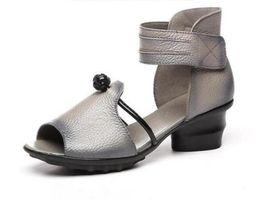 Sandalias de estilo étnico online-Promoción Nuevo Estilo étnico Verano Zapatos de cuero genuinos Sandalias de mujer Peep Toe Tacones altos Imprimir Sandalias de cuero Zapatos de dama