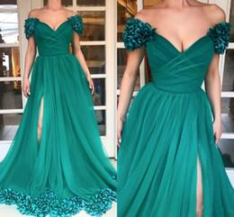Flor verde vestido largo online-Vestidos de fiesta largos de alta división 2018 personalizados más el tamaño Hunter Green Tulle Una línea fuera del hombro Flores 3D Africanos 2K18 vestidos de noche baratos