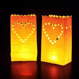 Sacchetti di carta per candele online-Festival Lanterna Cuore Tea Light Holder Luminaria Lanterna di carta Candle Bag Per BBQ Christmas Party Wedding