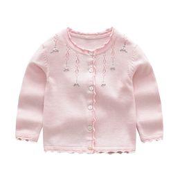 vestiti all'ingrosso delle bambine Sconti Il migliore affare vestiti della ragazza il piccolo cappotto del maglione del cardigan di disegno floreale insiemi i rivestimenti dei maglioni di caduta delle parti superiori della ragazza all'ingrosso