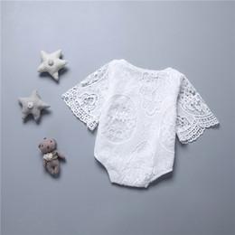 Chauve-souris en dentelle en Ligne-Ins bébé filles évider fleur dentelle barboteuse nourrisson nouveau-né Toddler chauves-souris manches onesies combinaison vêtements d'escalade bébé enfants Body