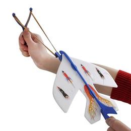 Novedad Slingshot LED Light Flare Catapult Avión Archer Arrow Competición de Caza Al Aire Libre Juguete Para Niños Niños Regalo de Navidad desde fabricantes