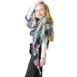 toalla cuadrada a cuadros multicolor Toalla triángulo mantón Bufanda a cuadros acrílico desde fabricantes
