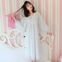 a8b7e84b2 2018 Mujeres embarazadas de algodón camisón de corte francés de encaje  blanco princesa vestido de noche pijamas maternidad camisón