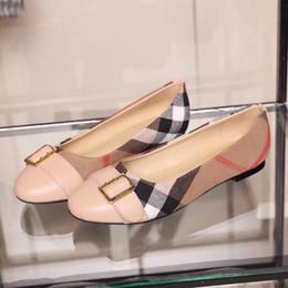 Modello di scarpe da ballo online-Le ballerine di lusso delle donne di modo 2018 le nuove scarpe piane di marca del progettista signore ballano i modelli selvaggi casuali