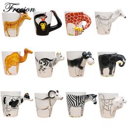 Cerâmica em forma de mão on-line-Caneca de chá de leite de café cerâmica poderosa caneca de animal de forma criativa Pintados à mão veado girafa vaca coelho cão gato camelo elefante Copa