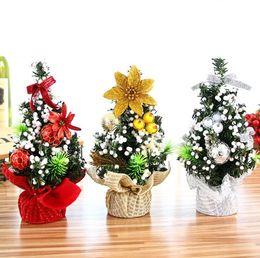 2019 simpatici ornamenti 9 disegni Mini Decorazione dell'albero di Natale Ornamenti per feste Hotel Vetrina Decorazione per desktop Regali di Natale simpatici Spedizione gratuita simpatici ornamenti economici