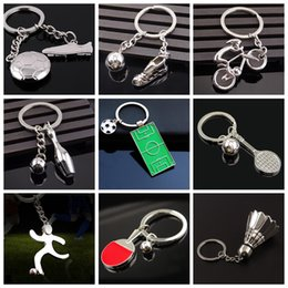 Wholesale tennis keychains wholesale - 3D Metal Creative Football Keychain Activity Football 2018 Ruassia World Cup Badminton Bowling Tennis Keyrings OOA5166