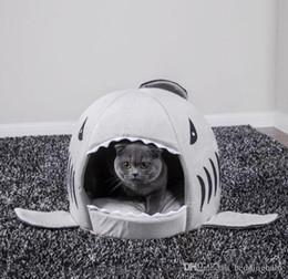 2019 katze haus hai Haus Hund Warm Weiche Schlafsack Bett Hai Hundehütte Katze Bett Höhle Kissen Kissen Nette Nest Matte Haustier Zubehör günstig katze haus hai