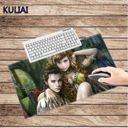 Papel de parede personalizado on-line-KULIAI Personalizado Papel De Parede Mouse Pad 400X900X2 MM Branco De Costura Estudo Da Família Escritório Game Game Gaming Mouse Pads para Cyberpunk