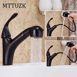 Wholesale Oil Decking - MTTUZK Brass Deck Mounted hot & cold Basin Faucet Black Oil Brushed Sink Faucet Bathroom basin with pull out shower head
