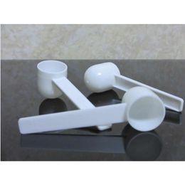 Wholesale Washing Powders Wholesale - Free Shipping 100pcs Professional White Plastic 5 Gram 5g Scoops Spoons for Food Milk Washing Powder Measuring Spoons
