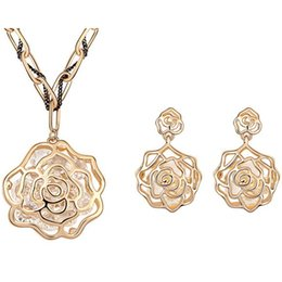 Mother s day earrings online-Set di gioielli di alta qualità Cristalli di Austria Collana pendente di moda Orecchini piercing Accessori donna Regalo della mamma 6663
