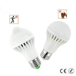 Bombillas de luz infrarroja online-Bombilla LED del sensor de movimiento PIR 5W / 7W E27 + bombilla LED del sensor del sonido 5W / 7W elegante auto del bulbo infrarrojo del cuerpo de luz de lámpara AC85-265V