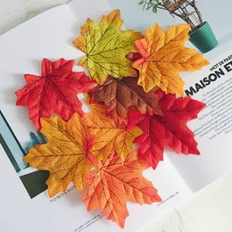 Wholesale wholesale silk maple leaves - Simulation Autumn Maple Leaf Photo Props Artificial Fake Leaves Home Decor Silk Flowers Fake Festive Party Dining Table Decor