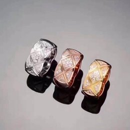 2019 anéis de diamante famoso 2018 de luxo famosa marca de alta qualidade 316L aço inoxidável amantes do punk mulheres e homem banda anel com diamantes estreito tamanho grande jóias dr anéis de diamante famoso barato