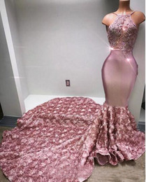 2021 modelli di applique rosa Cascading Ruffles Rose Pattern Prom Dresses Halter Sexy Back Rose Flower Sweep Train Appliques Beaded Sealled Sirena Party Abito da sera