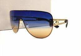 eaa70d99690 Diseño de la marca Medusa sin marco de gran tamaño del marco del metal  Piernas huecas para hombres mujeres gafas de sol gafas de moda al aire  libre 100% ...