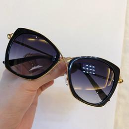 2019 compteur de lunettes de soleil Lunettes de soleil de luxe 605 pour femmes Designer Counter forme rétro Vintage Protection UV Top qualité mode lunettes de soleil populaires viennent avec étui compteur de lunettes de soleil pas cher