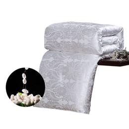 Jacquard chinês cama on-line-CARACARLE Edredom De Seda Branco Qualificado Duvet Mulberry Colcha De Cetim De Seda Jacquard Completa Rainha King Size Chinês SOFT bedding