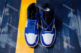 Con la caja original 1UNC Blue Flesh Men Causal Shoes Blanco negro Varsity Sports Basketball Sneaker Talla US7-13 desde fabricantes