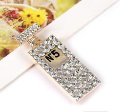 2019 carta de regalo botella Nuevo diseñador de alta calidad de color carta de diamante botella de perfume broche para mujer accesorios de moda accesorios de decoración occidental rebajas carta de regalo botella