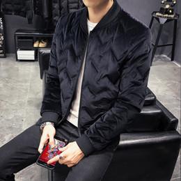 casaco de veludo homem curto Desconto Inverno multa versão coreana do belo ganso para baixo tendência grossa quente curto parágrafo colarinho jaqueta de veludo de ouro dos homens jaqueta