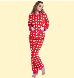 Argentina Damas directas empalmado coral terciopelo pijamas cálidos y cómodos conjunto otoño e invierno pijamas de lunares de manga larga servicio a domicilio Suministro