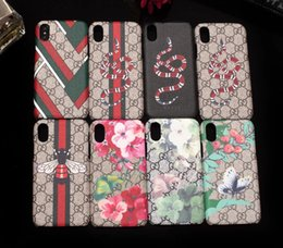 Flores de moda on-line-Para iphone xs max vogue phone case para iphone 8 8 plus 7 7 plus 6 6 s plus smartphone pele shell capa com popular abelha flor cobra impressão