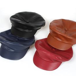 Moda Pu cuero alta calidad Newsboy Caps para mujer primavera otoño invierno  sombreros de fieltro gorro de invierno para mujer sombreros de gorra negro  Boina ... df0c8a15980