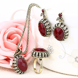 Wholesale vintage red rhinestone earrings - Jewelry Sets - Chocker Ring Chandelier Sets Vintage Red Resin Golden Plated Necklaces Pendants Resin Dangle Earrings