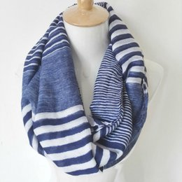 Bufanda azul marino online-Ejes visuales Winter Chunky Infinity Scarf Nueva moda Soft Viscose Navy Striped Ring Loop Infinity Pañuelos para mujeres / Damas