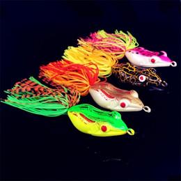 Угорь онлайн-Рэй лягушка мягкие резиновые полые тела Blackfish Рыбалка приманки 5.5 см смешать цвет моделирования лягушка угорь приманки крюк с должны