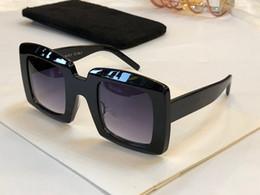 Nouvelle mode de vente femmes lunettes de soleil de designer 40037 populaire généreux élégant style cadre carré Lunettes uv400 protection top qualité lunettes ? partir de fabricateur