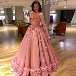 28370d0dfa1a Abiti da sera rosa Arab Dubai 2019 Una linea rosa fiori flare vestitini  lunghi abiti da celebrità abiti da ballo economico vestiti da sera di flare