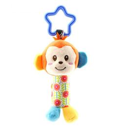 Cochecitos de muñecas online-Educación Cute Baby Toys Soft Musical Newborn Kids Toys Animal Baby Mobile Stroller Toys Plush Playing Doll Brinquedos Bebes