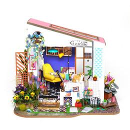 große plastikpuppen Rabatt DIY Puppenhaus Lily Veranda Handgefertigte Holz Art Haus Modell ohne Staubschutz Dollhouse