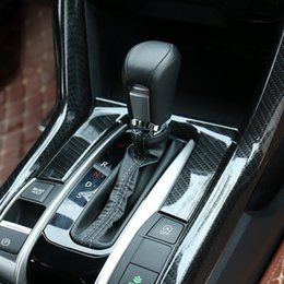 Paneles de honda online-Vuelva a colocar el ajuste de la cubierta del panel de la caja de engranajes del estilo de fibra de carbono del ABS Civic 2016 2017