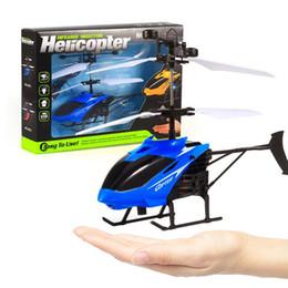 Bola de inducción online-Led juguete No RC Helicóptero Flying Inducción LED Noctilucent Ball Quadcopter Drone Sensor Up grado Inducción infrarroja volando Juguetes para niños
