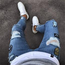 2019 collant ricamati all'ingrosso jeans da uomo biker jeans ricamato designer Slim decalcomanie elastiche stretto pantalone skinny plus size 3XL commercio all'ingrosso libero di trasporto collant ricamati all'ingrosso economici