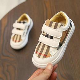 2019 neue art schuhe für kinder mädchen Neue koreanische der Farbe Raster Schuhe Boys Fashion Style Board Schuhe Studenten leichte Mädchen Freizeitschuhe Kinder Turnschuhe günstig neue art schuhe für kinder mädchen