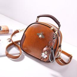Милый totes для женщин онлайн-Women Bag Genuine Leather Shoulder Bag Crossbody  Tote Handbag Round red Cute Small Fashion Bags with Bear Pendant