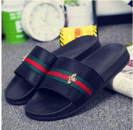 Wholesale Metal Toe Heels - New Summer Men Women Slippers Ladies Open Toe Comfortable Flat Heel Vintage Slides Metal Bee Decoration Shoes Woman DH2h32