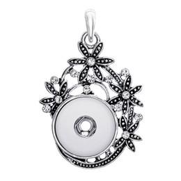 2019 joyería atractiva de metal Cuatro flores envueltas con cadena de colgante de metal de longitud 60cm se pueden ajustar con broche de 18mm para joyería femenina atractiva al por mayor TZ064 joyería atractiva de metal baratos