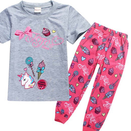 2019 meninas cute tracksuits Novas Crianças JOJO Pijamas 2 pçs / set 2018 Meninas Do Bebê Unicórnio Treino Dos Desenhos Animados Bonito pijamas roupas T Shirt + calças Pijamas Terno 4-12Y