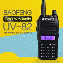 baofeng uv 82 dual band Desconto Novo BAOFENG Walkie Talkie BaoFeng UV-82 Dual-Band 136-174 / 400-520 MHz FM Ham em dois sentidos rádio transceptor