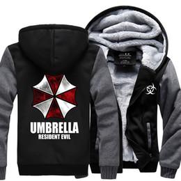 All'ingrosso- Felpa invernale per uomo 2017 inverno pile addensare felpe con cappuccio Resident Evil con cappuccio ombrello stampa giacca cappotto uomo sportivo da
